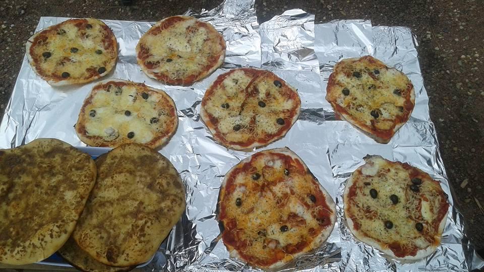 8 Pizzas